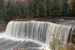 Upper Tahquamenon Falls - Tahquamenon Falls State Park
