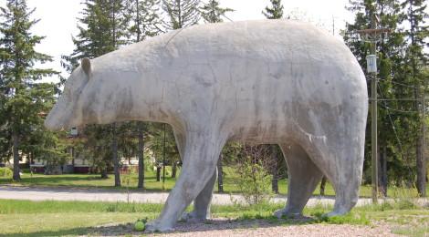 Michigan Roadside Attractions: Concrete Bear Statue in Vulcan