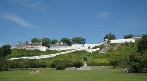 Mackinac Island Road Races - Lilac Festival 10K, 8 Mile, Great Turtle Trail Run