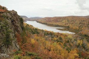 lake of the clouds fall color