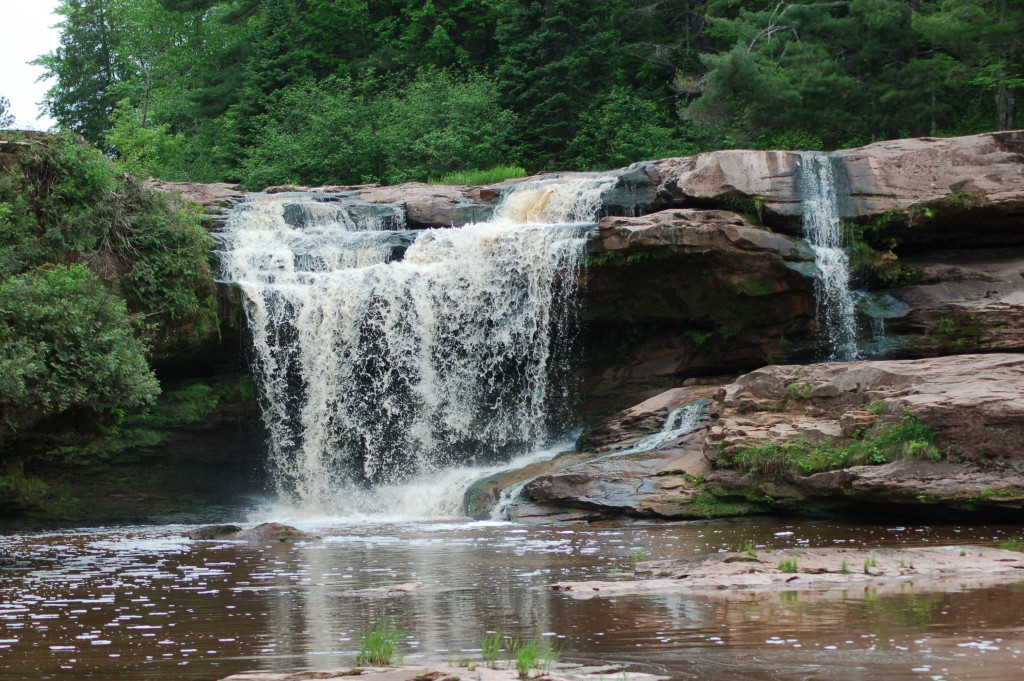 O-kun-de-kun Falls, Ontonagon County