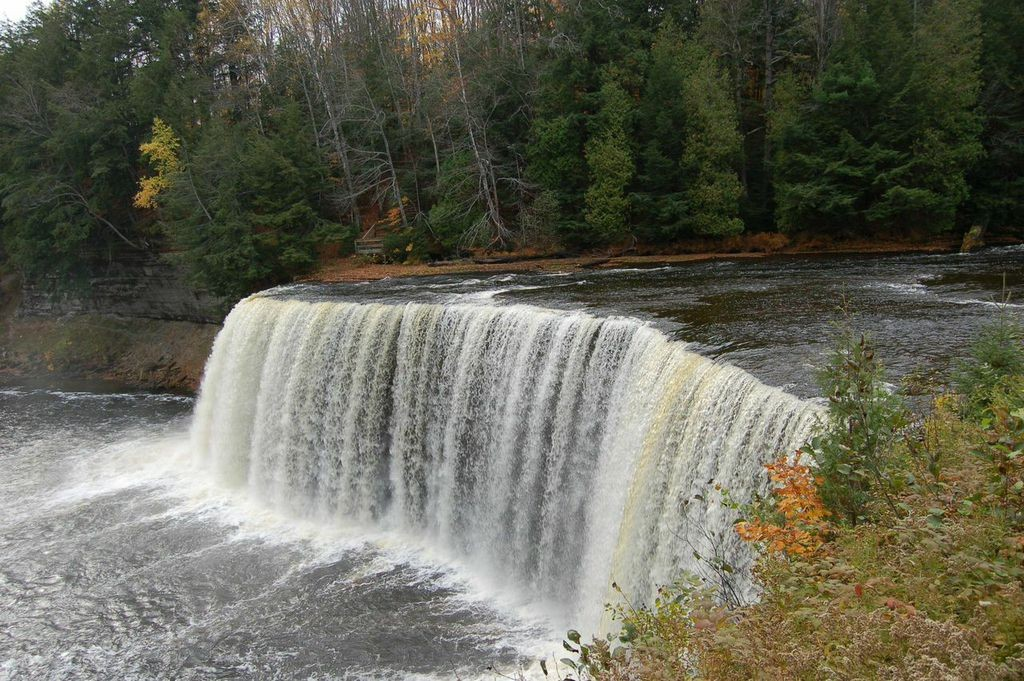 Tahquamenon Falls Newberry 2006