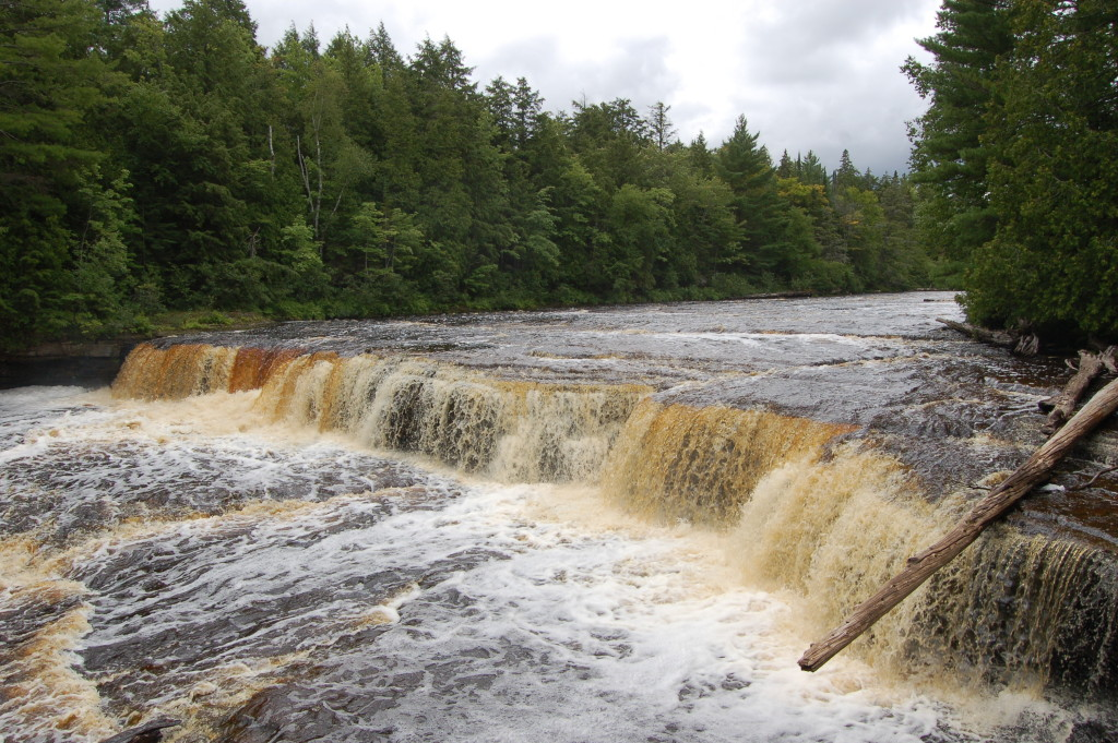 Photo gallery friday tahquamenon falls state park for Cabins near tahquamenon falls
