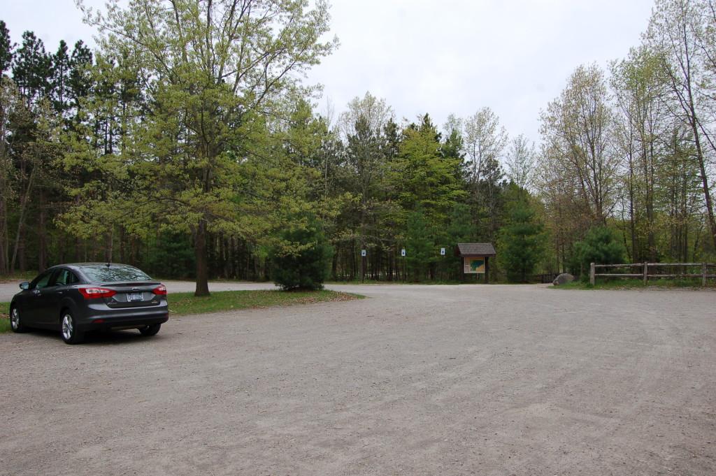 Pickerel Lake Nature Preserve Parking Lot
