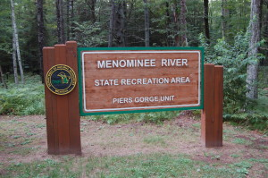 Menominee River Piers Gorge Sign