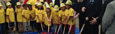 "LEGOLAND Discovery Center Michigan Breaks Ground With 50,000 ""Bricks"" at Great Lakes Crossing Mall"