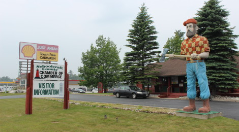 Michigan Roadside Attractions: Paul Bunyan Statue in Manistique