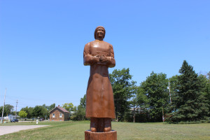 Hattie Stimpson Woodcarving Mackinaw City