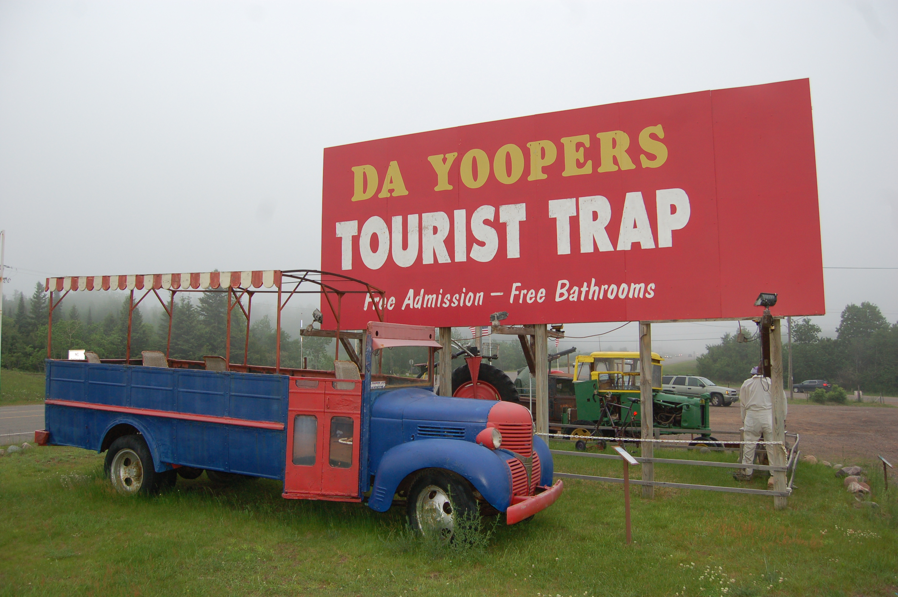 Da Yoopers Tourist Trap Bus