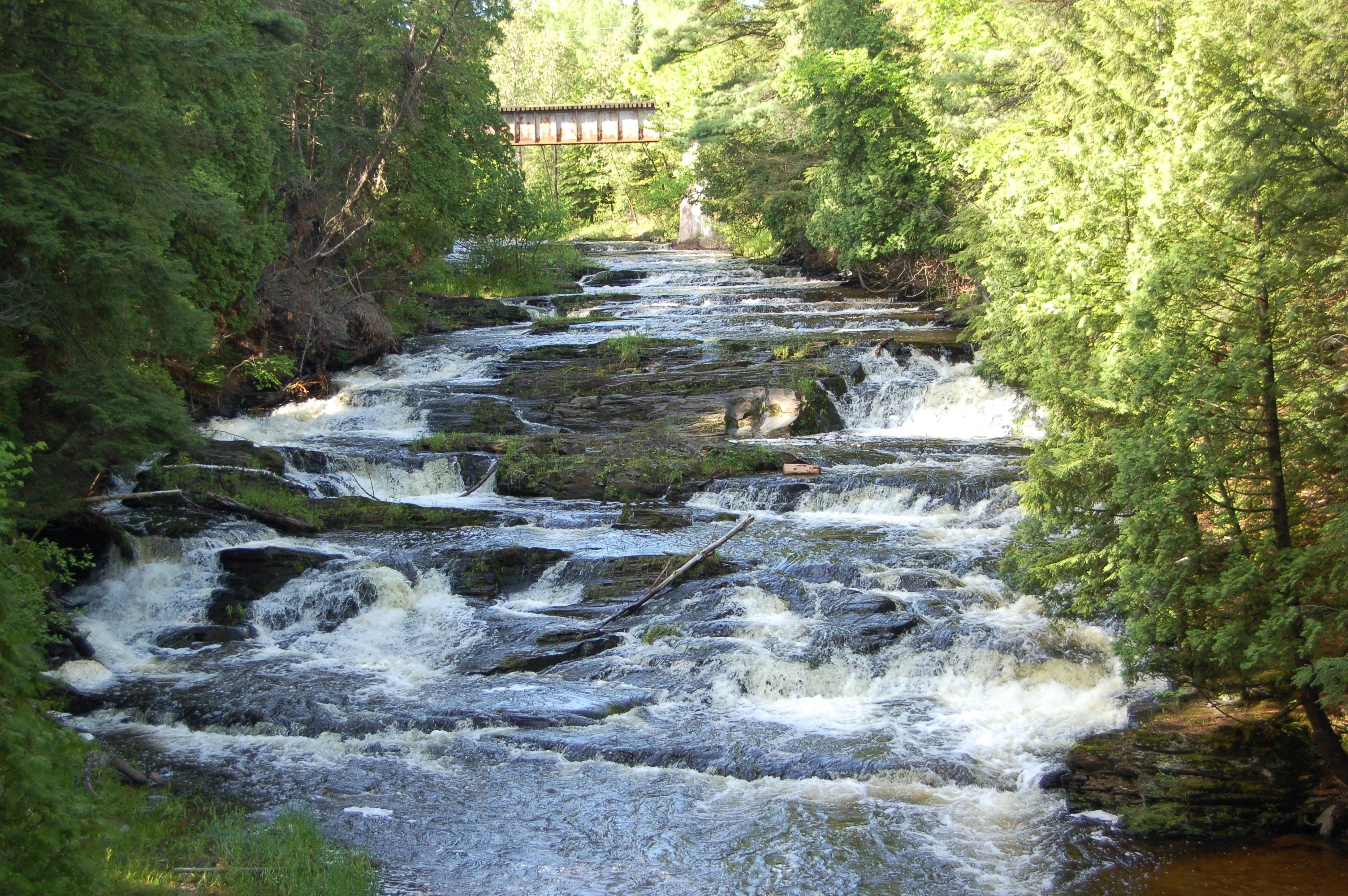 Falls River Falls Middle Falls