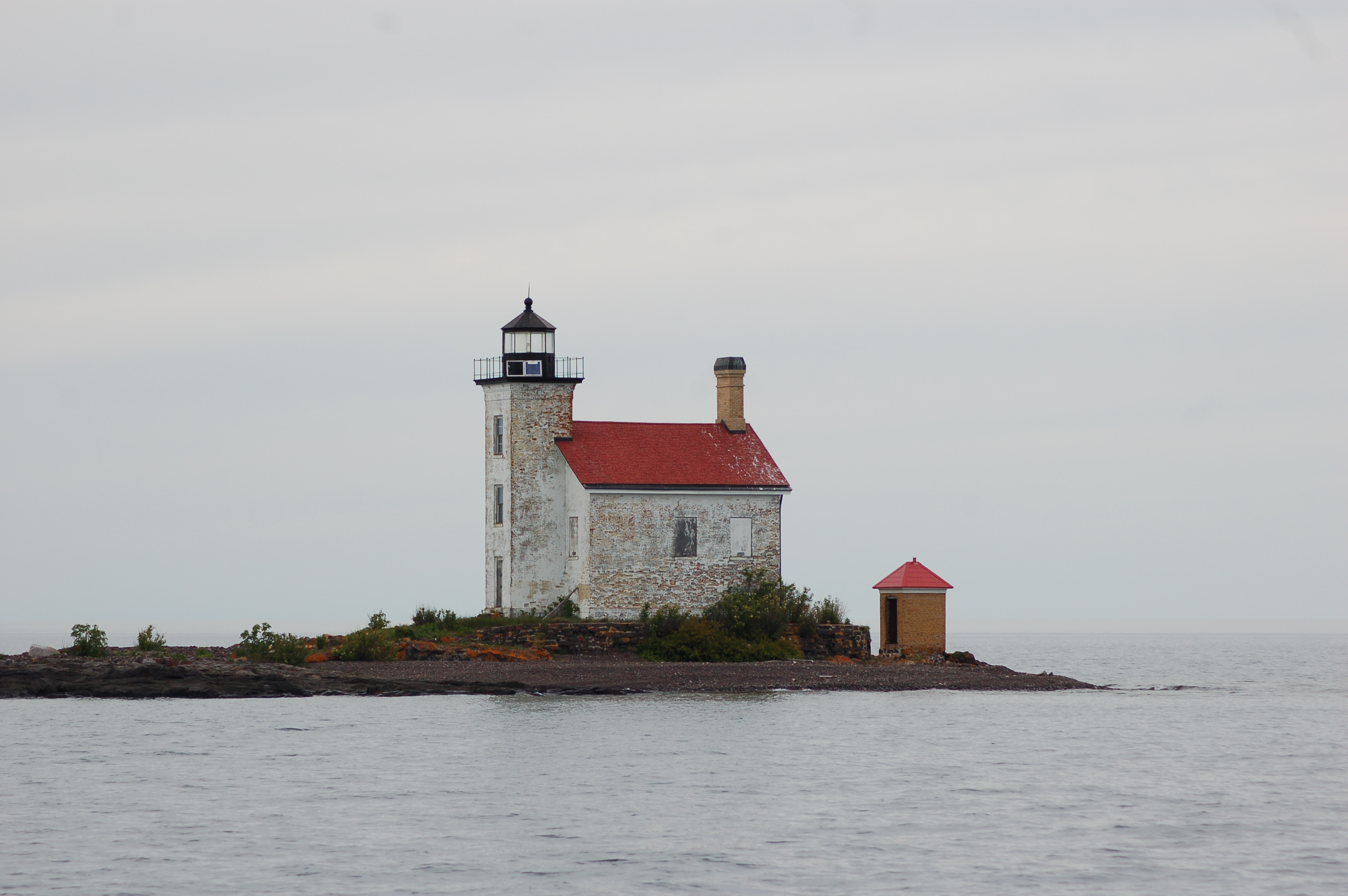 Gull rock lighthouse lake superior travel the mitten for What state has the most lighthouses