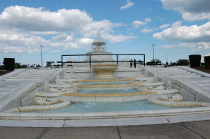 Belle Isle Scott Memorial Fountain Wide View