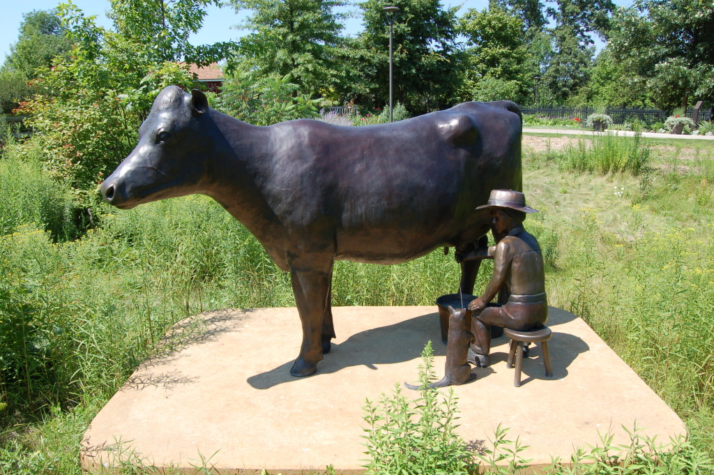 Frederik Meijer Gardens Lena Cow Sculpture