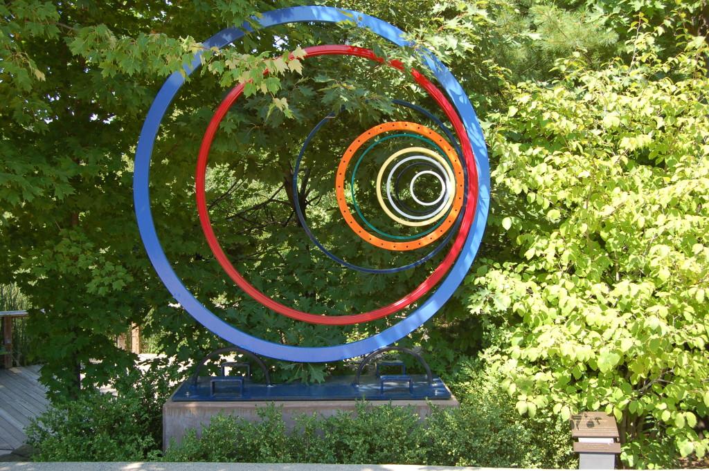 Photo gallery friday frederik meijer gardens sculpture for Meijer gardens hours