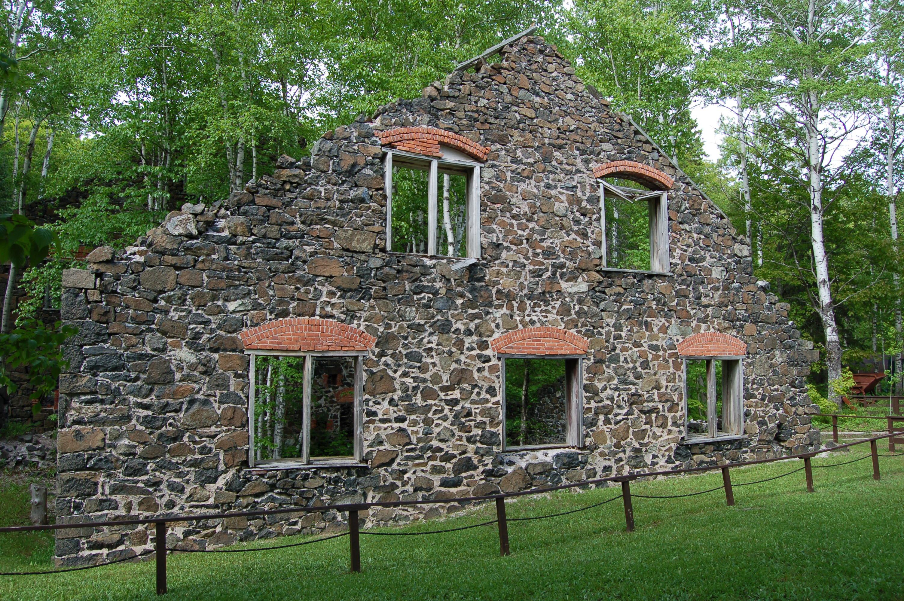 Delaware Mine Ruins House