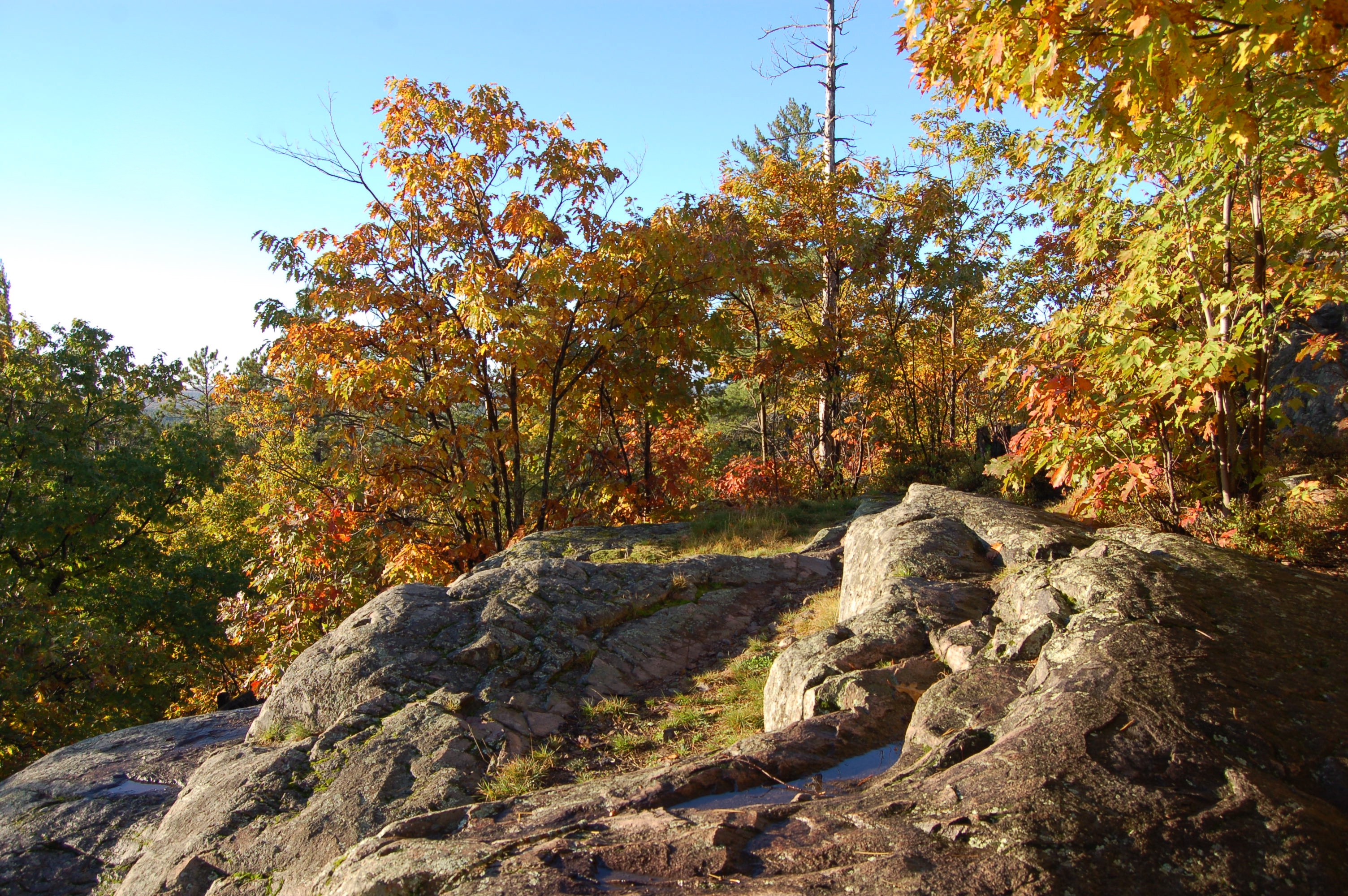 Sugarloaf Mountain Rocks Fall Color Marquette