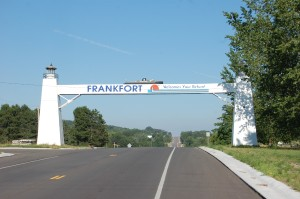 Frankfort M-115 Lighthouse Welcome Sign