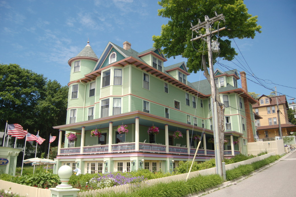 Mackinac Island Cottage Hotel Michigan
