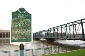 Sixth Street Bridge Grand Rapids Feature Photo 2