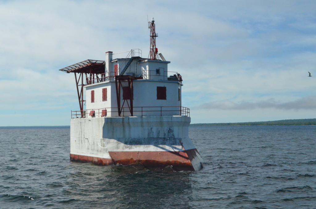 Soo Locks Boat Tours Gros Cap Reef Light Canada Snowplow