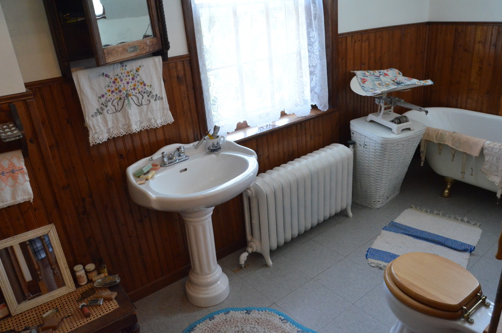 Seul Choix Point Lighthouse Bathroom Museum Michigan