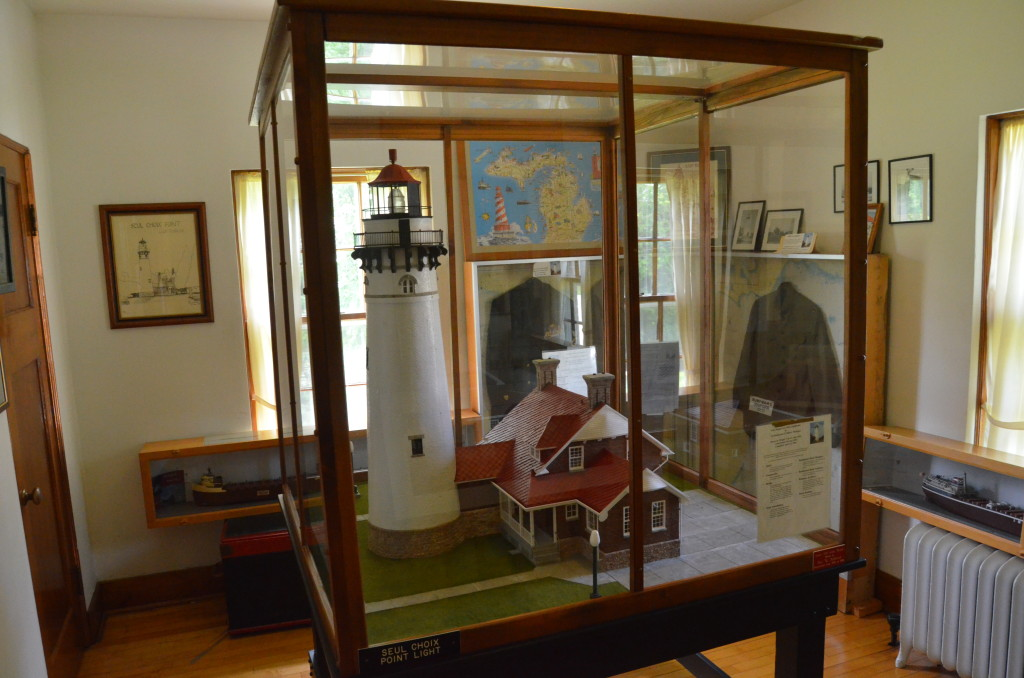 Seul Choix Point Lighthouse Mini Replica Michigan Museum