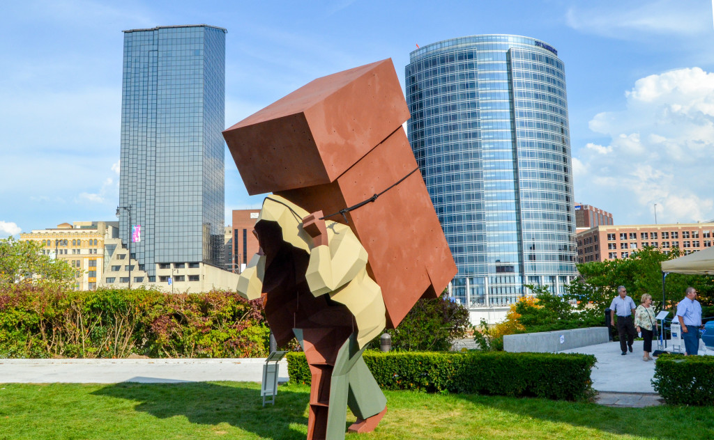 """Laborer"" by Mike Wsol, in front of the Grand Rapids Public Museum"