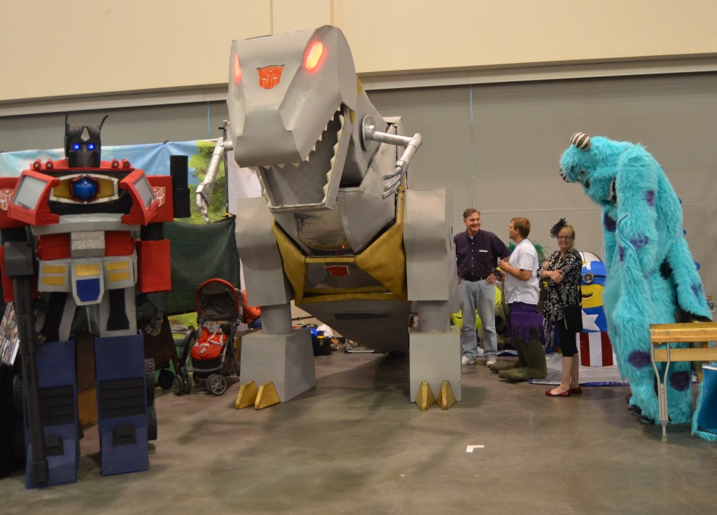 Squirrels Creations are another favorite of the event with Transformers and Minions walking around the floor