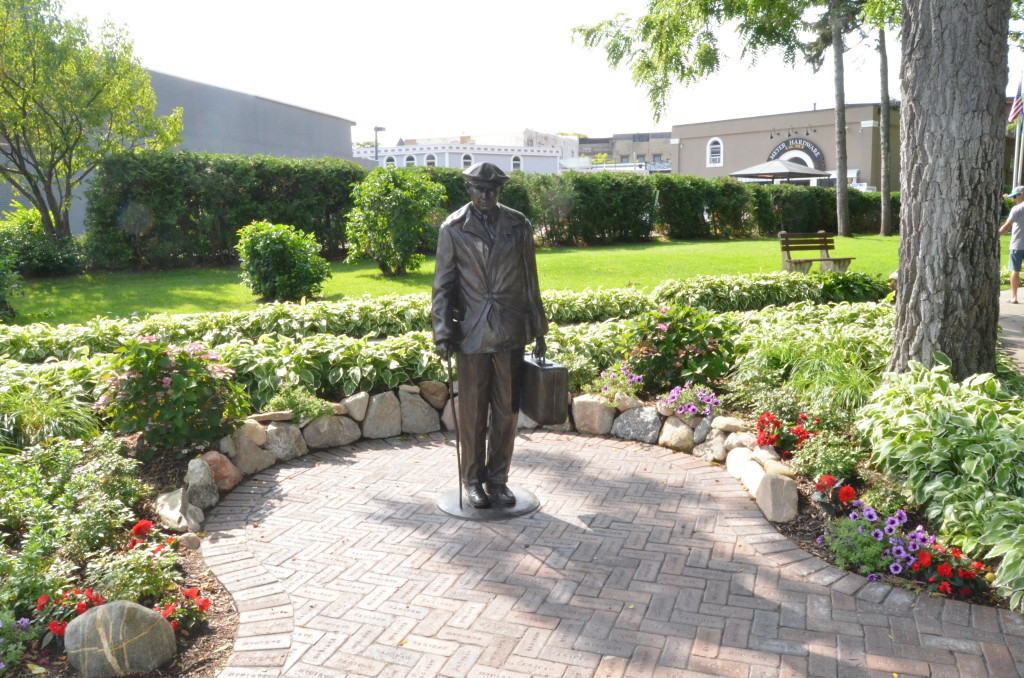 New Ernest Hemingway statue in Petoskey