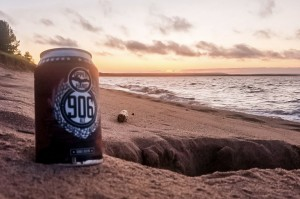 Upper Hand Brewery 906 Ale