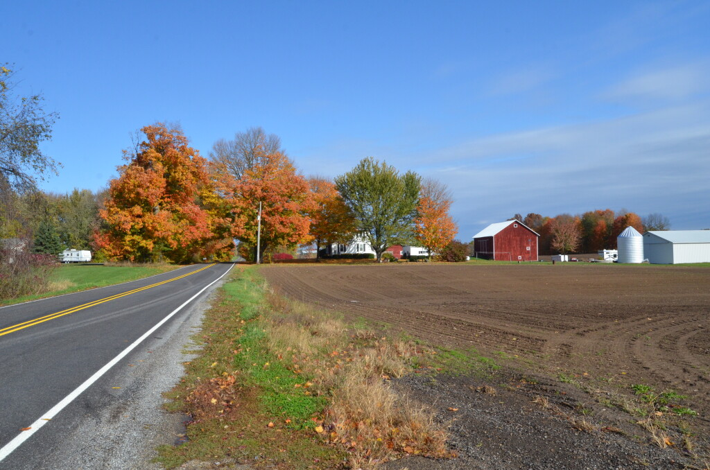 Kent County Fall Color Tour Pratt Lake Rd. Alto