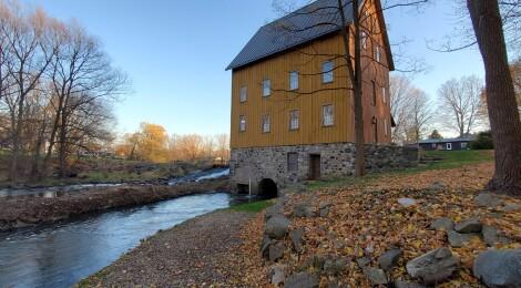 Michigan Roadside Attractions: Bellevue Gothic Mill