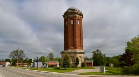 Michigan Roadside Attractions: Manistique Water Tower