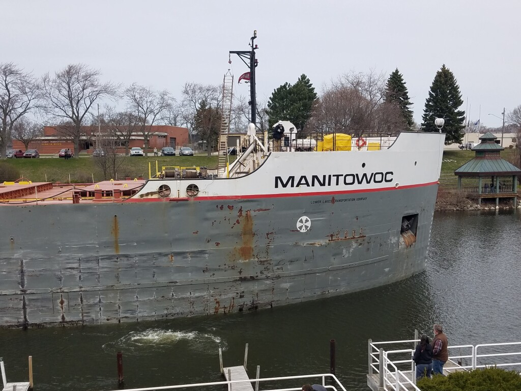 Freighter Maintowoc inbound on the Manistee River, April