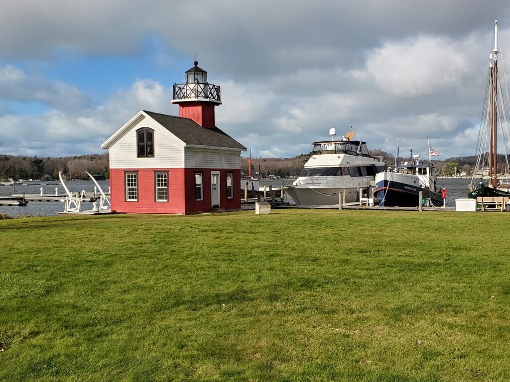Kalamazoo River Lighthouse replica, Douglas, November