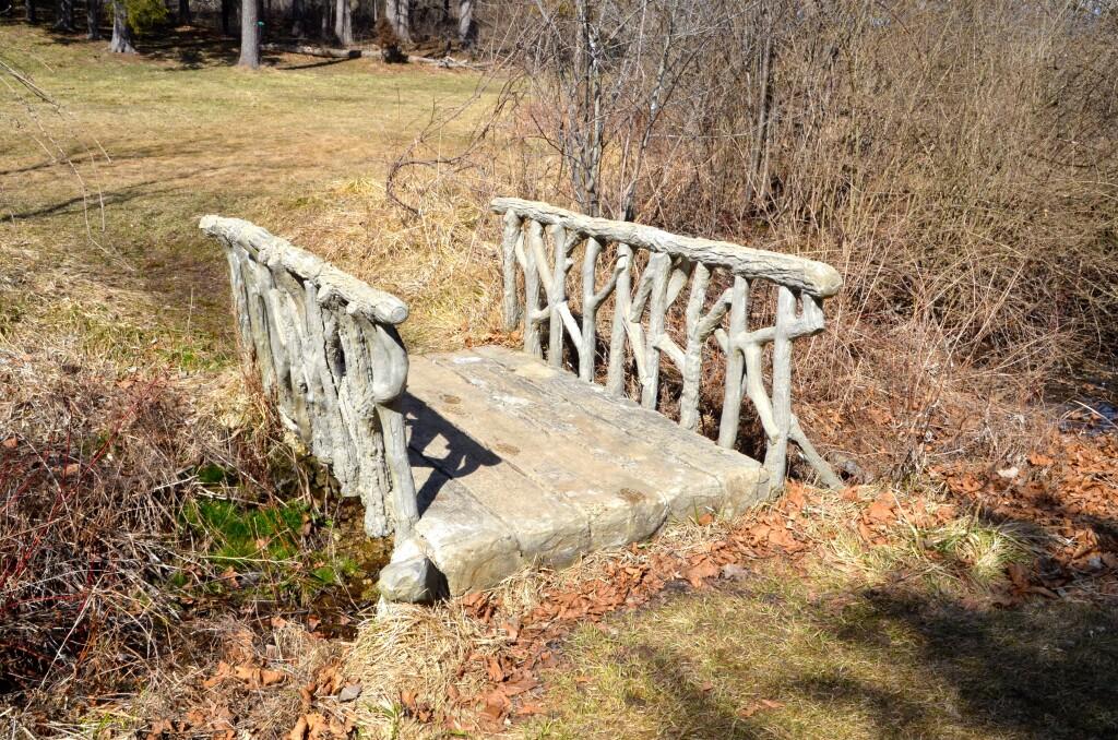 McCourtie Park Trabejo Rustico Bridge Michigan