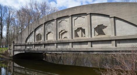 Michigan Roadside Attractions: Pine Island Drive Bridge