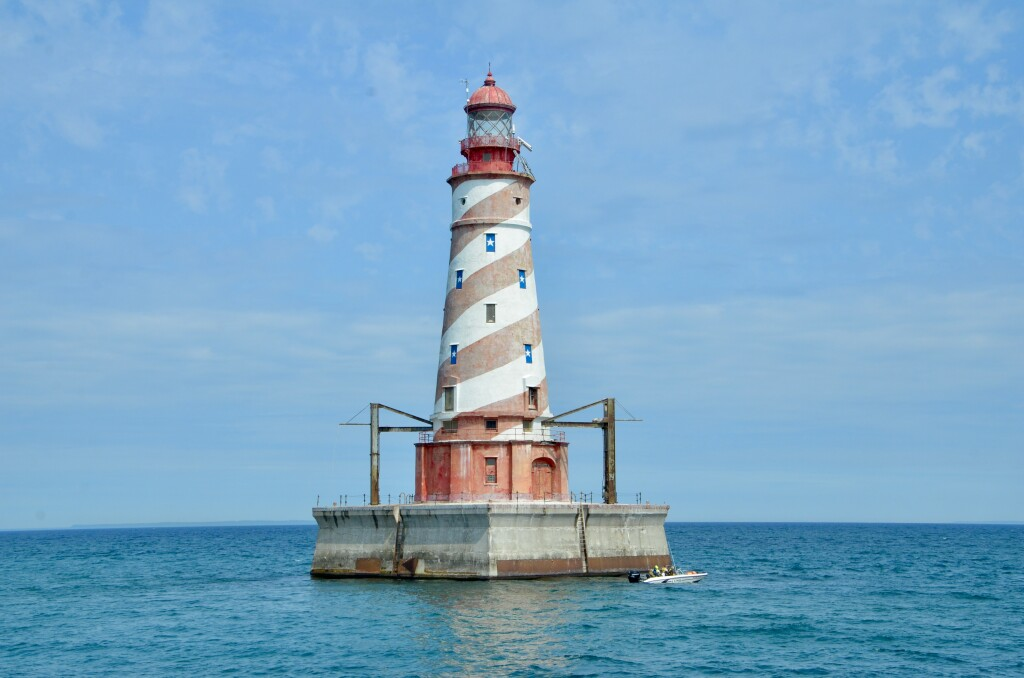 Sheplers Lighthouse Cruise 2021 White Shoal Light Best Photo