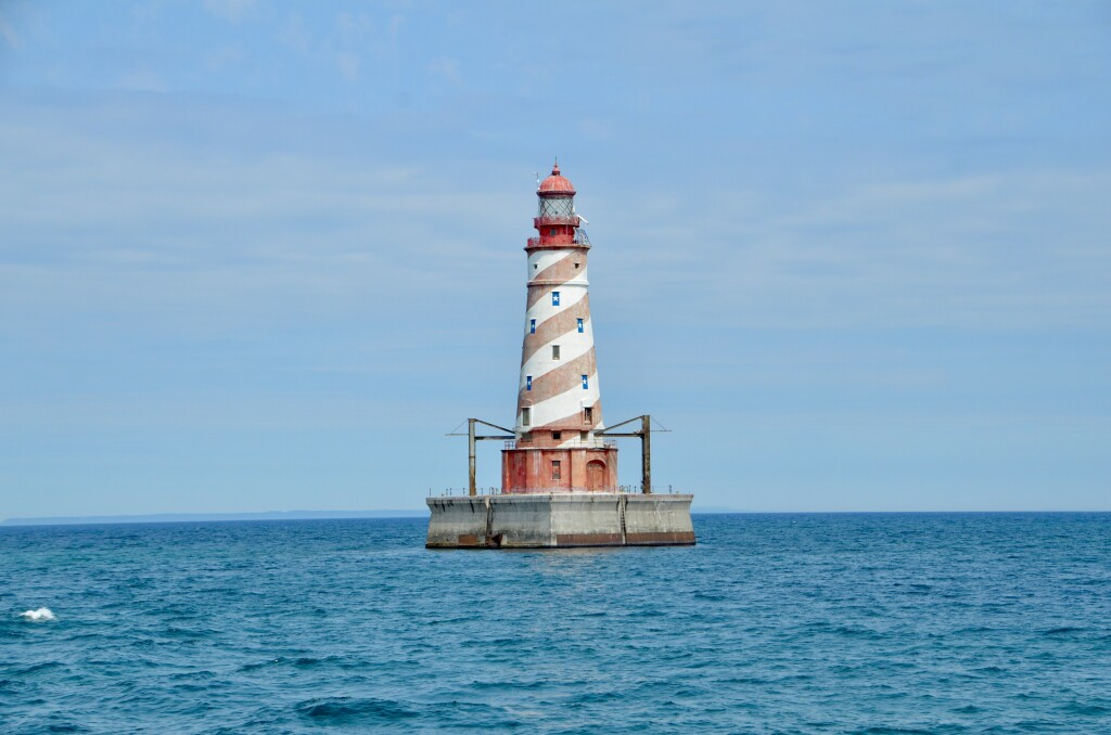 Sheplers Lighthouse Cruise 2021 White Shoal Light Possible Feature Photo
