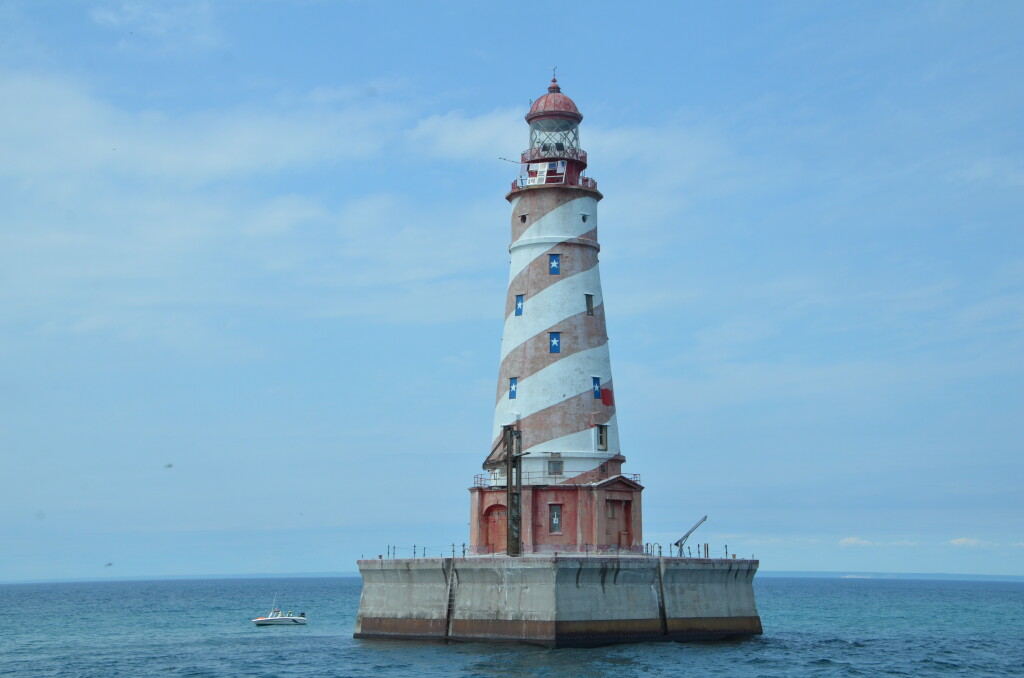 Sheplers Lighthouse Cruise White Shoal Light
