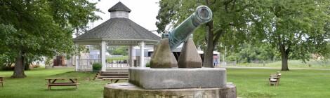 Michigan Roadside Attractions: The Three Oaks Dewey Cannon